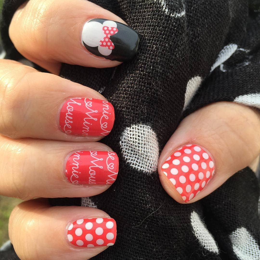 I\'m gonna call this my Minnie-Mani! I am in LOVE! These are Mickey\'s ...