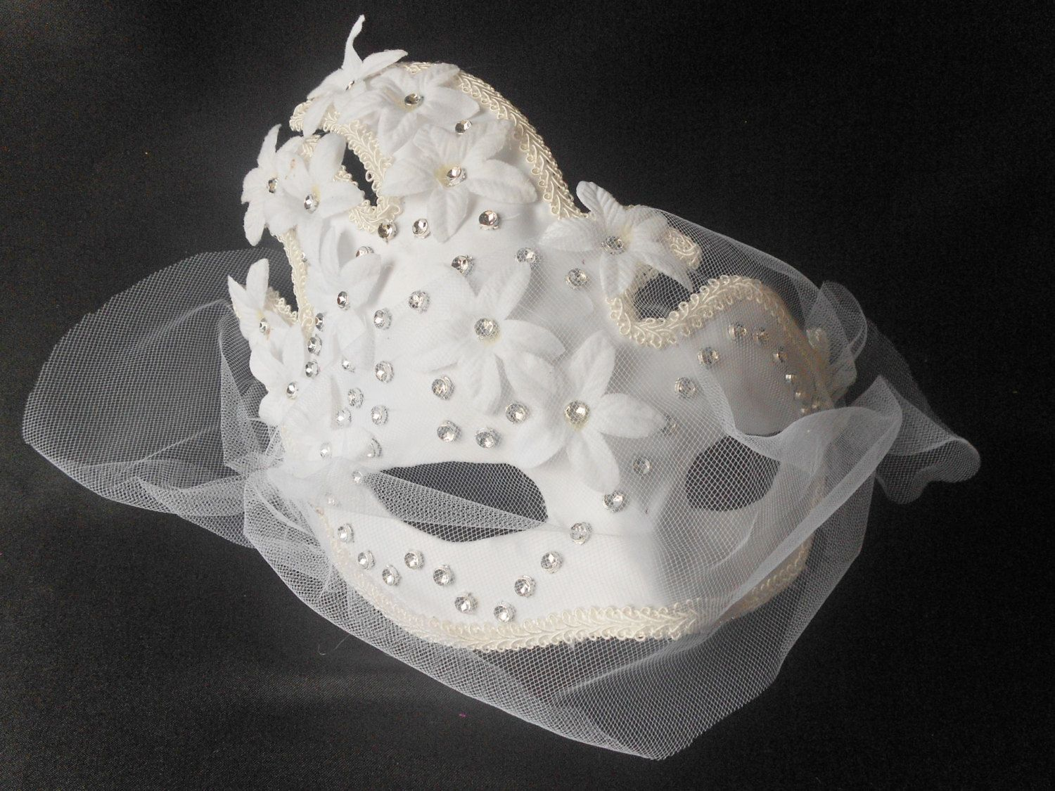 White Silver Bridal Mask, White Silver Flower Masquerade Mask, White Flowers Mask by www.IrmasElegantBoutique.etsy.com