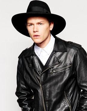 Sombrero fedora de fieltro negro con ala ancha de 8ff8dac76de