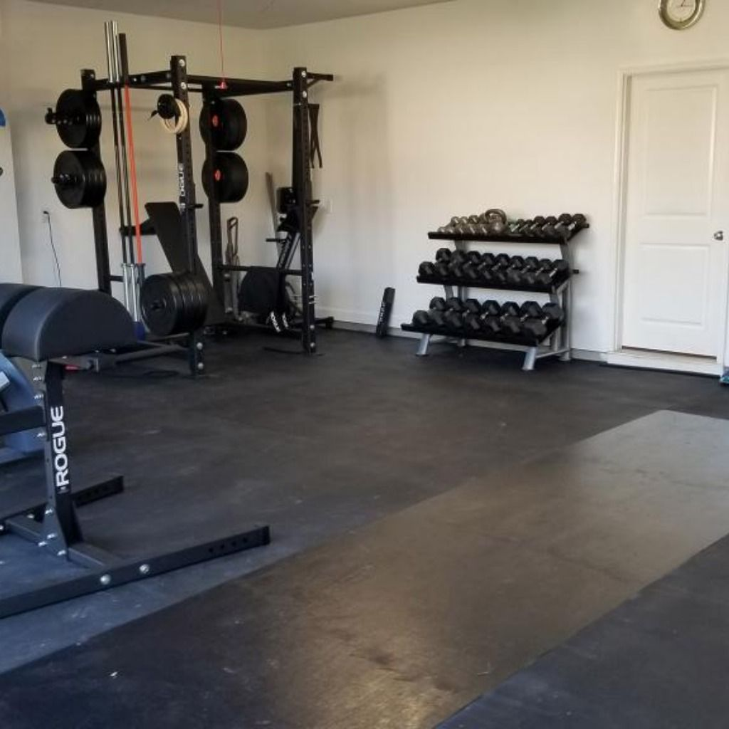 Straight Edge Rubber Pebble Top Horse Stall Mats Gym In 2020 Home Gym Flooring Home Gym Design Gym Flooring Options