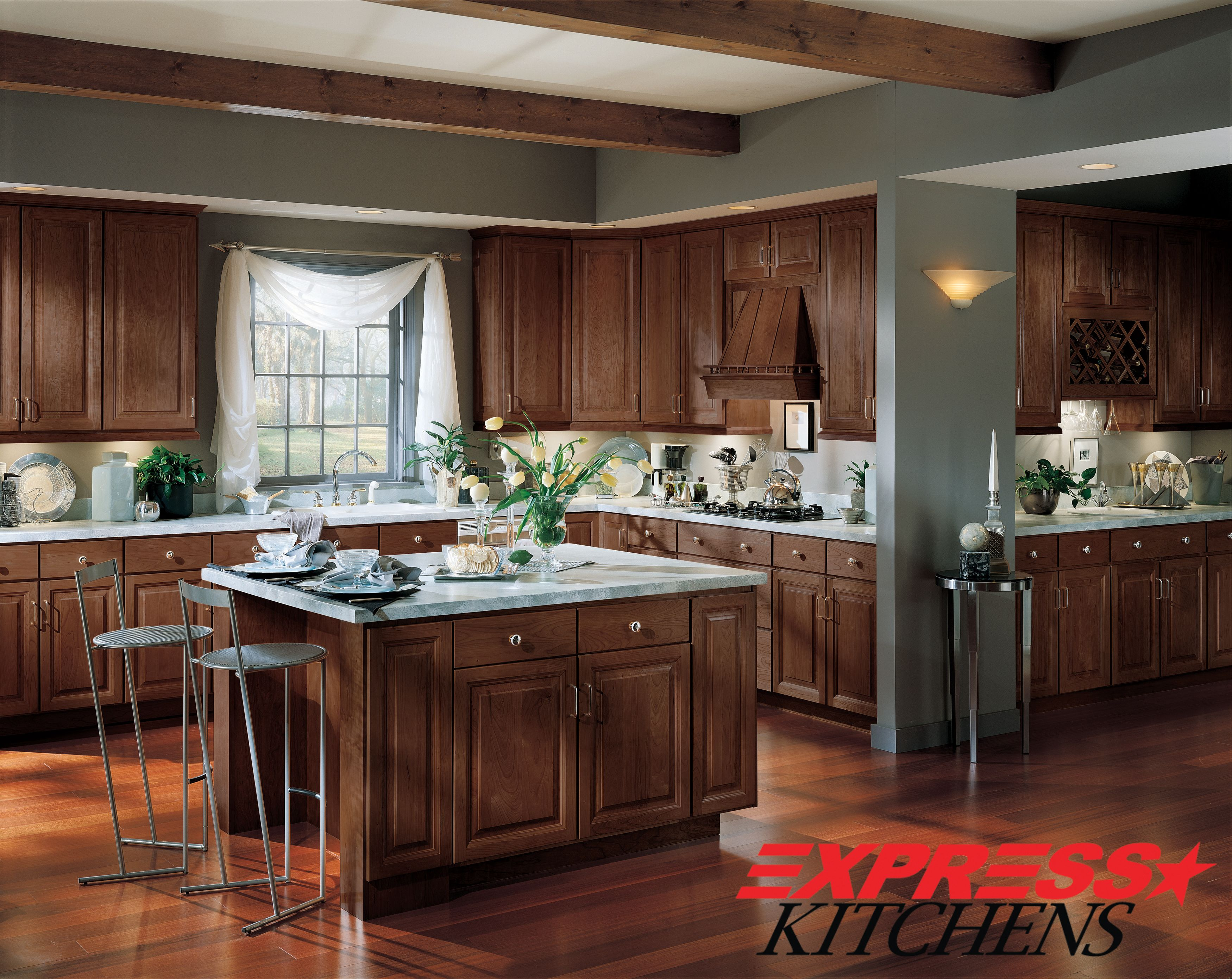 The Langdon Door Style Is An American Classic As Cherry Remains A Symbol Of Distinction And Refinem Cherry Cabinets Kitchen Kitchen Colors New Kitchen Cabinets