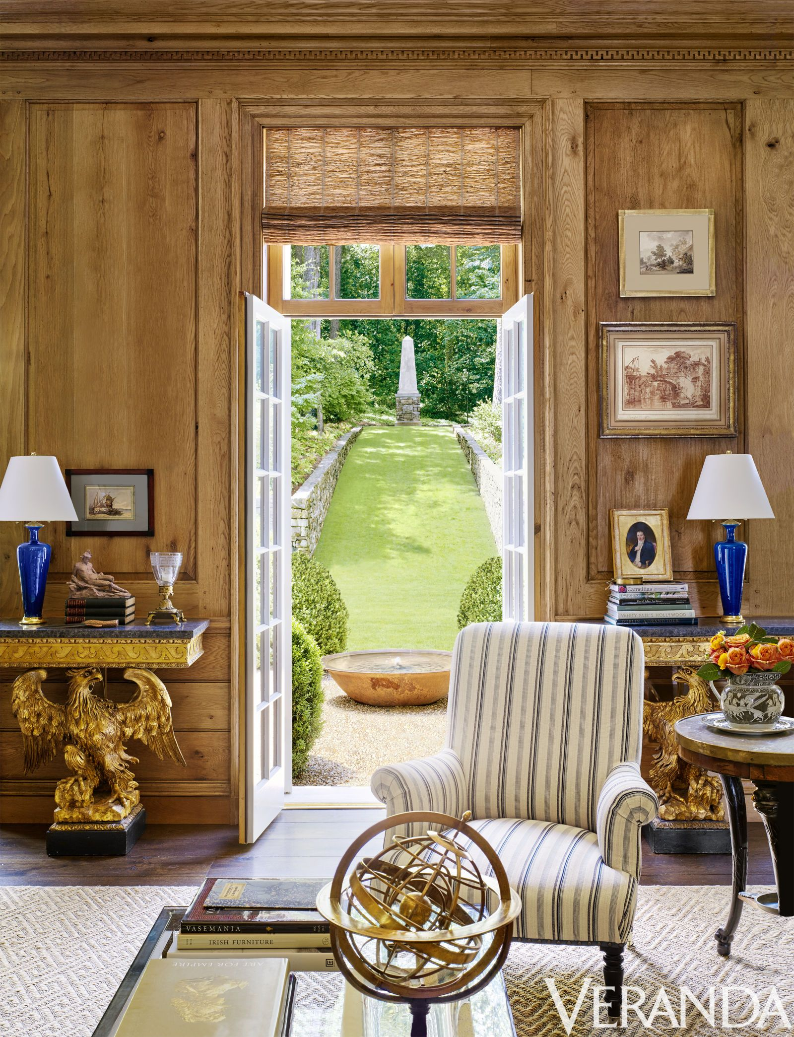 10 designers homes distinguished by curated style rooms and rh br pinterest com