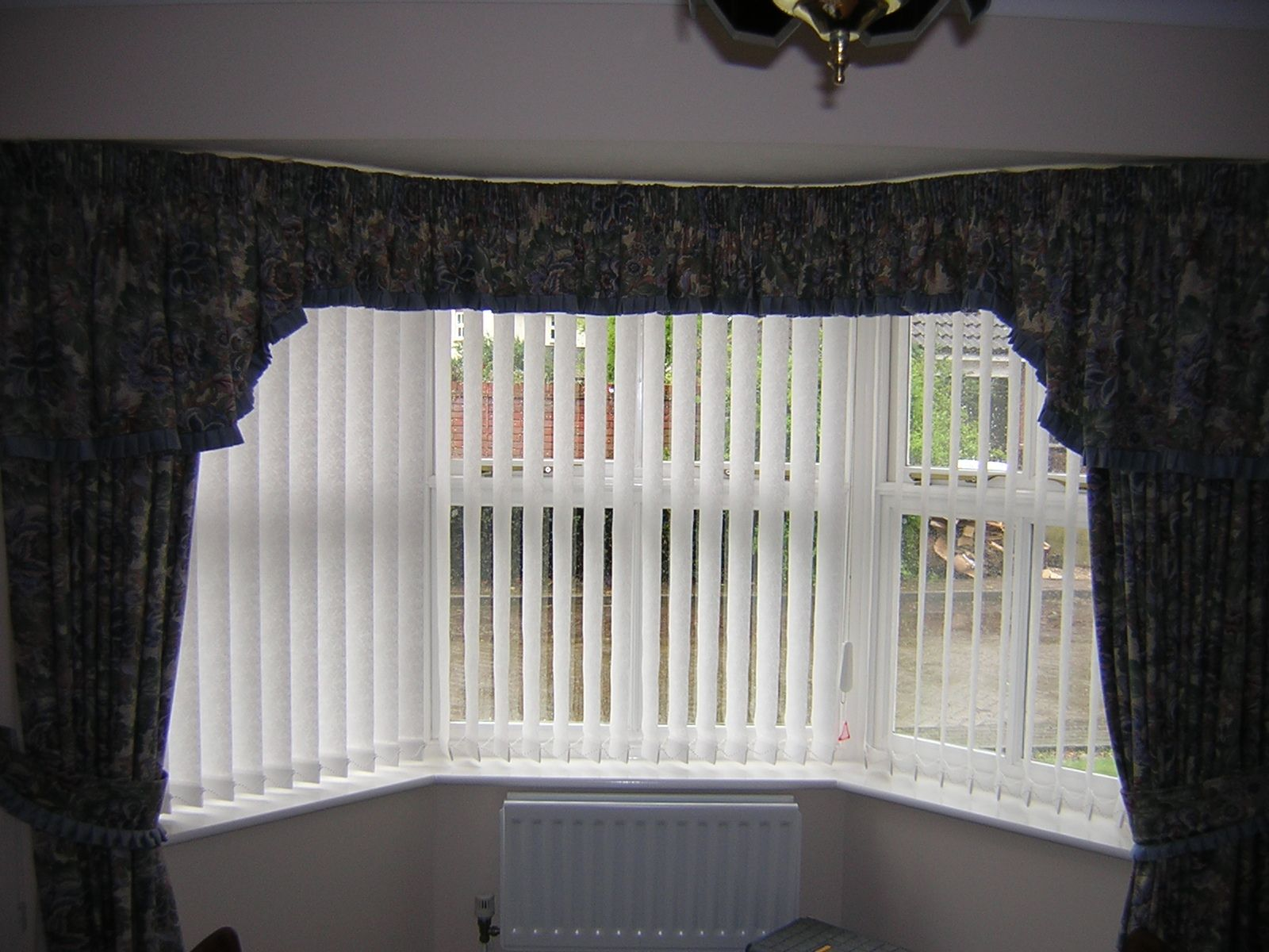 interior cool amazing vertical blind for bay window design ideas on rh pinterest co uk