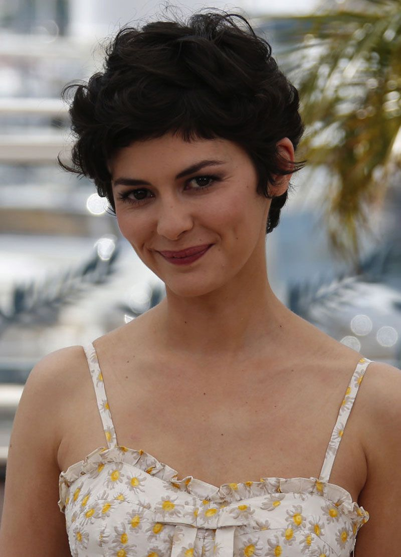 Cute short curly hairstyles for round faces short curly