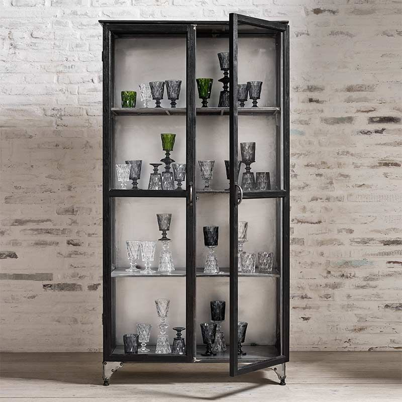 glasschrank vitrine raw metall holz schwarz von nordal. Black Bedroom Furniture Sets. Home Design Ideas