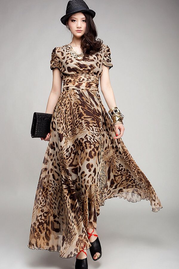 83a2b6c83e Leopard print maxi dress with sleeves