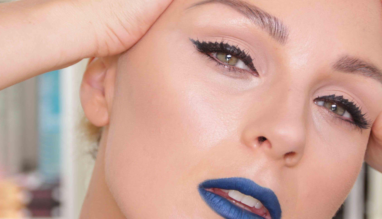 Blue Lips / Crazy Black Liner Makeup LOve it Great review