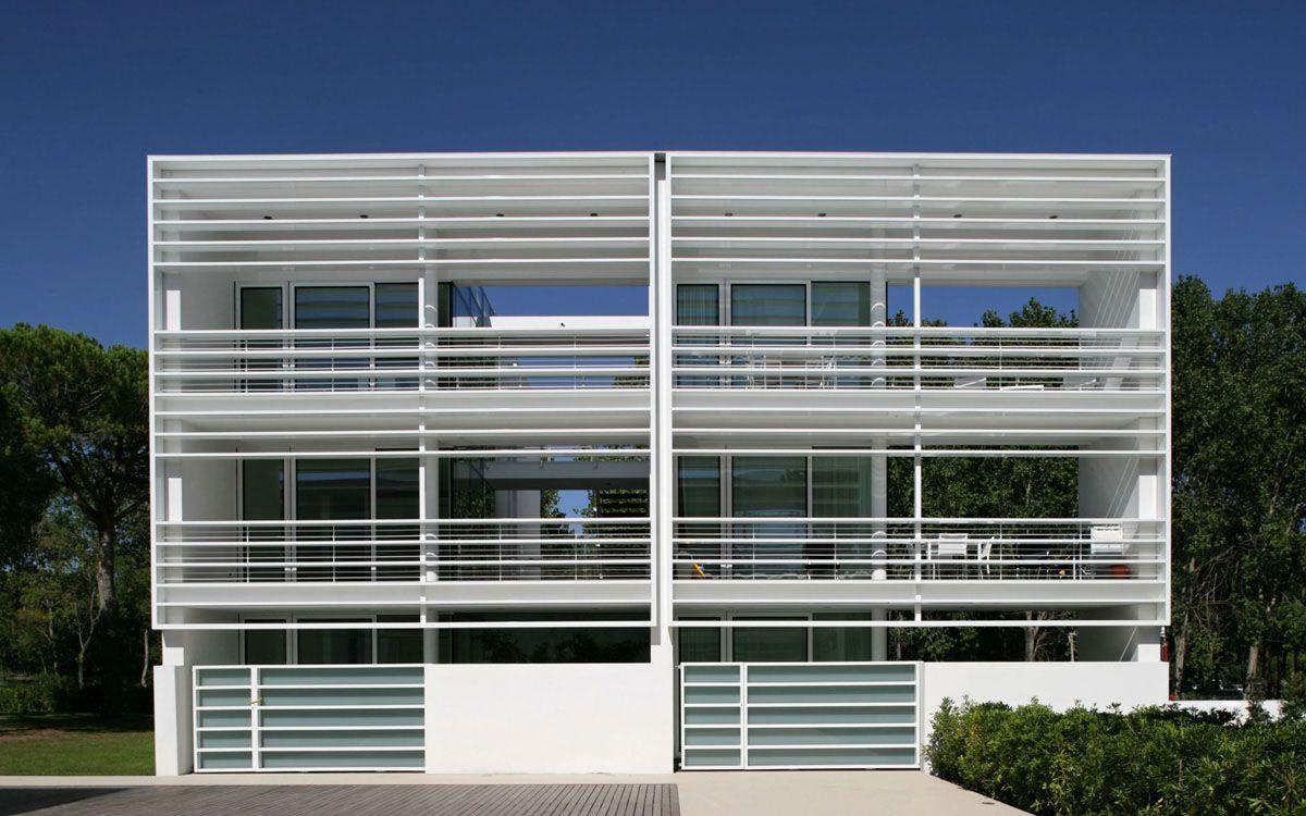 The pool houses a jesolo offre case lussuose per vacanza for Interni case lussuose