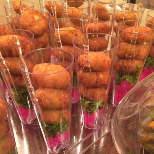 اكواب كفتة لذيذة دجاج لذيذ اكل لايك مطعم مئكولات مميزة انيقة لايك تصويري جوعانة جوعان تعليق ال Food Presentation Finger Foods Easy Elegant Food