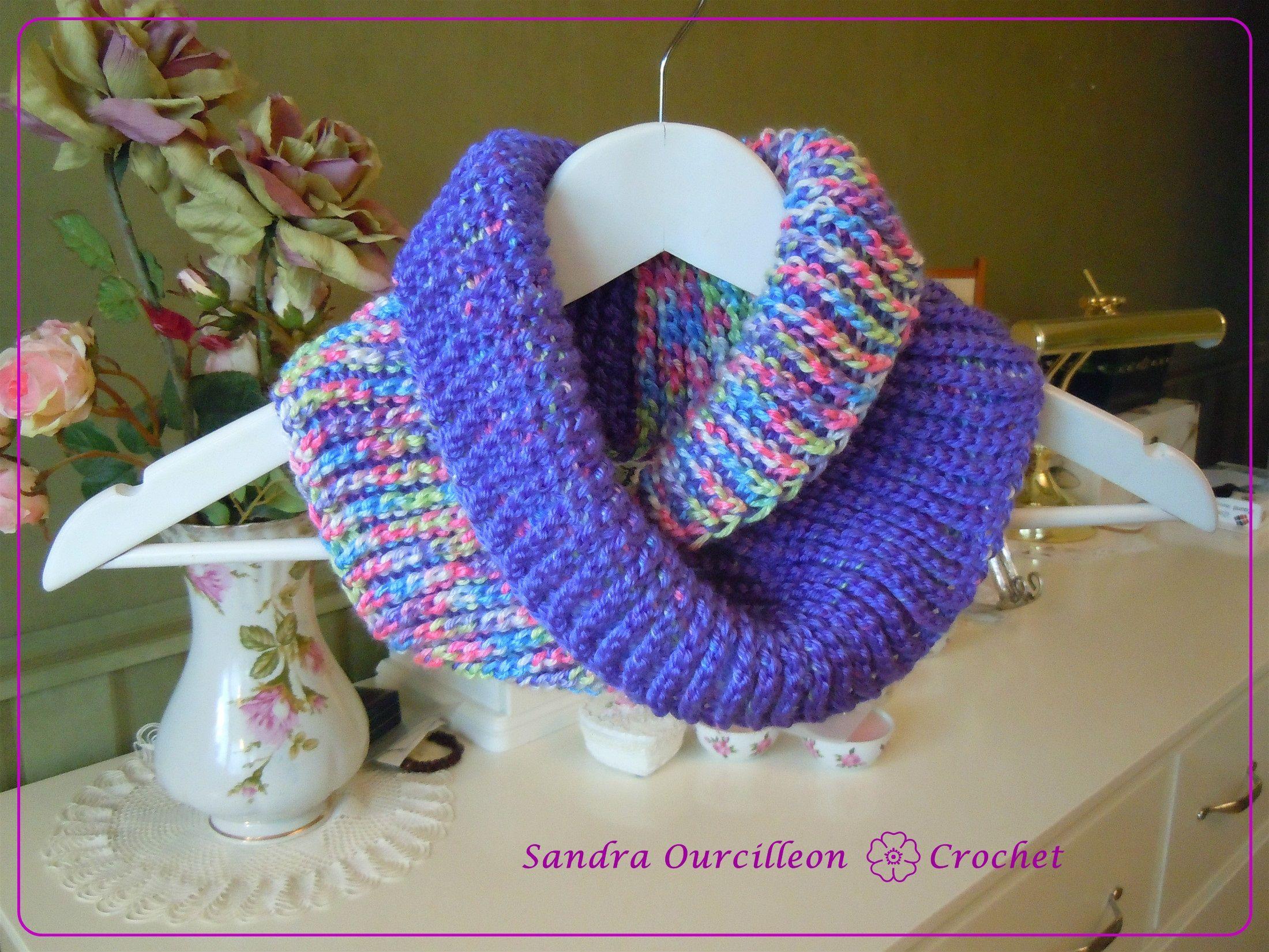http://crochetkim.com/freepatterns/dueling-colors-cowl/ | Cuello ...