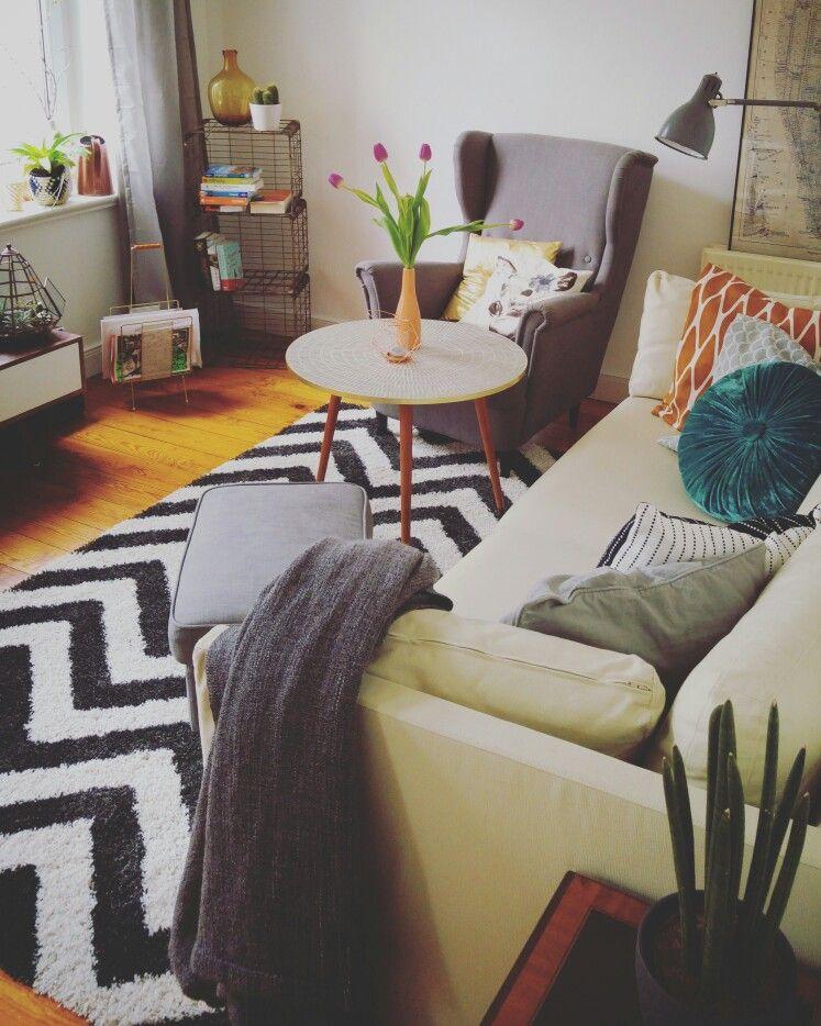 home sweet home Wohnzimmer Couch Teppich Sessel 60er Jahre