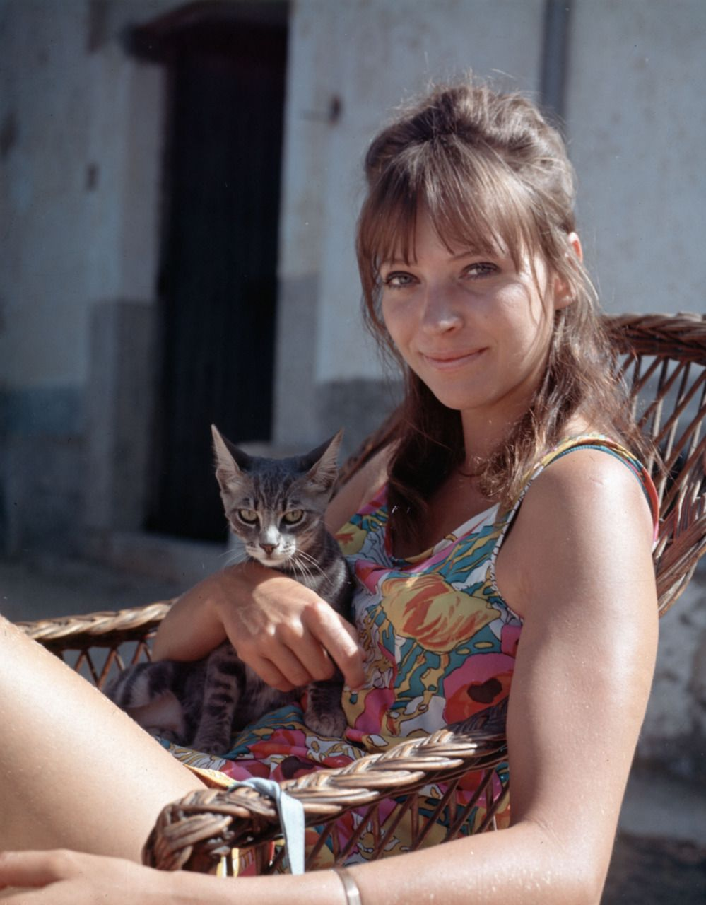 Anna Karina and cat