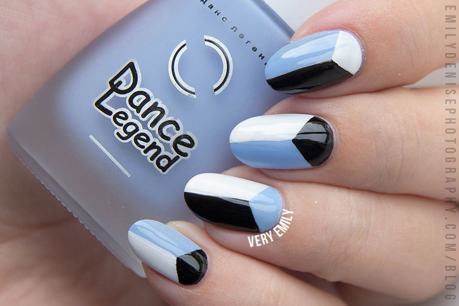 Create geo patterned nail art in a flash with #nailvinyls! Nail art ...