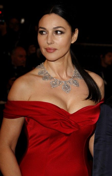 Monica Bellucci Hot In Red Hot Pictures Of Monica Sexy Monica Bellucci Hot Monica Bellucci Pictures