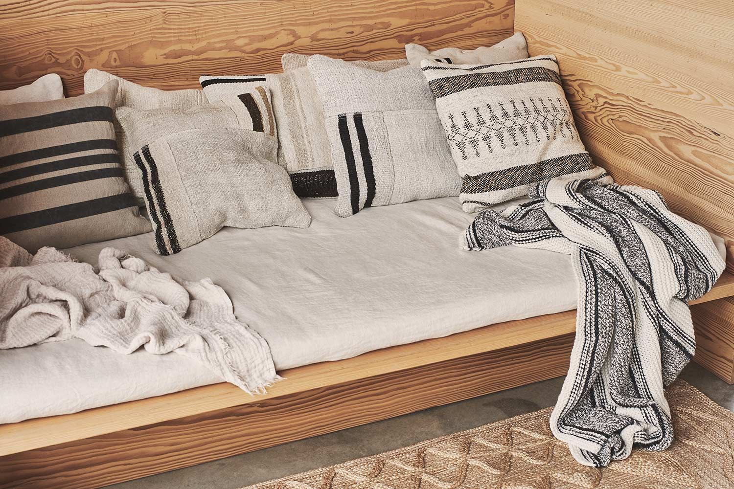 Zara Home | home : living and dining | Home decor furniture ... Zara Home Furniture Online on zara clothing online, design your own home online, zara uk online, zara handbags online, game online, zara boots online, home goods furniture online, zara outlet online, zara shoes online, ralph lauren home online,