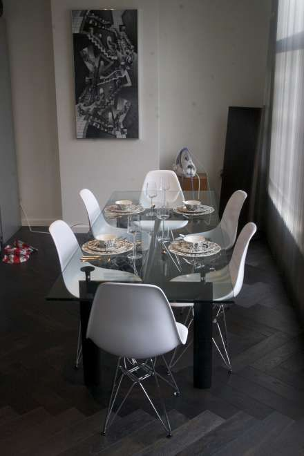 Corbusier LC6 table + Eames DSR ABS chairs | Inspiration for my ...
