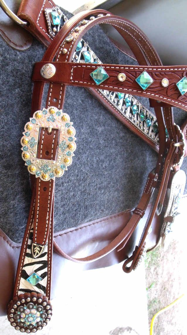 bling breast collars western rhinestone belts bling on a budget leather craft ideas. Black Bedroom Furniture Sets. Home Design Ideas