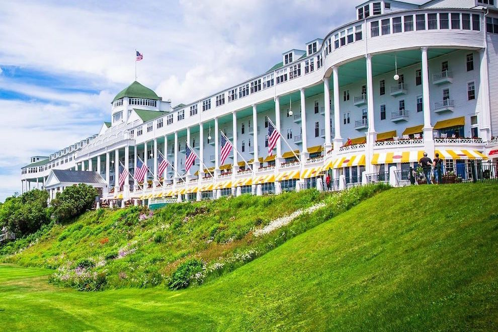 Pin By Fine Art Resin On Bucket List Grand Hotel Mackinac Island Mackinac Island Mackinac Island Michigan