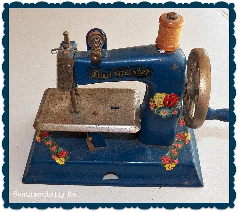 Vintage Childs SEWMASTER Blue Sewing Machine with sweet old decals :) love it!
