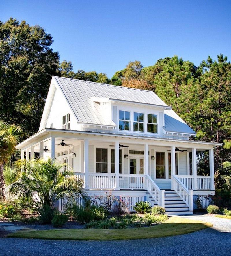 Photo of seaside farmhouse cottage -exterior paint colors