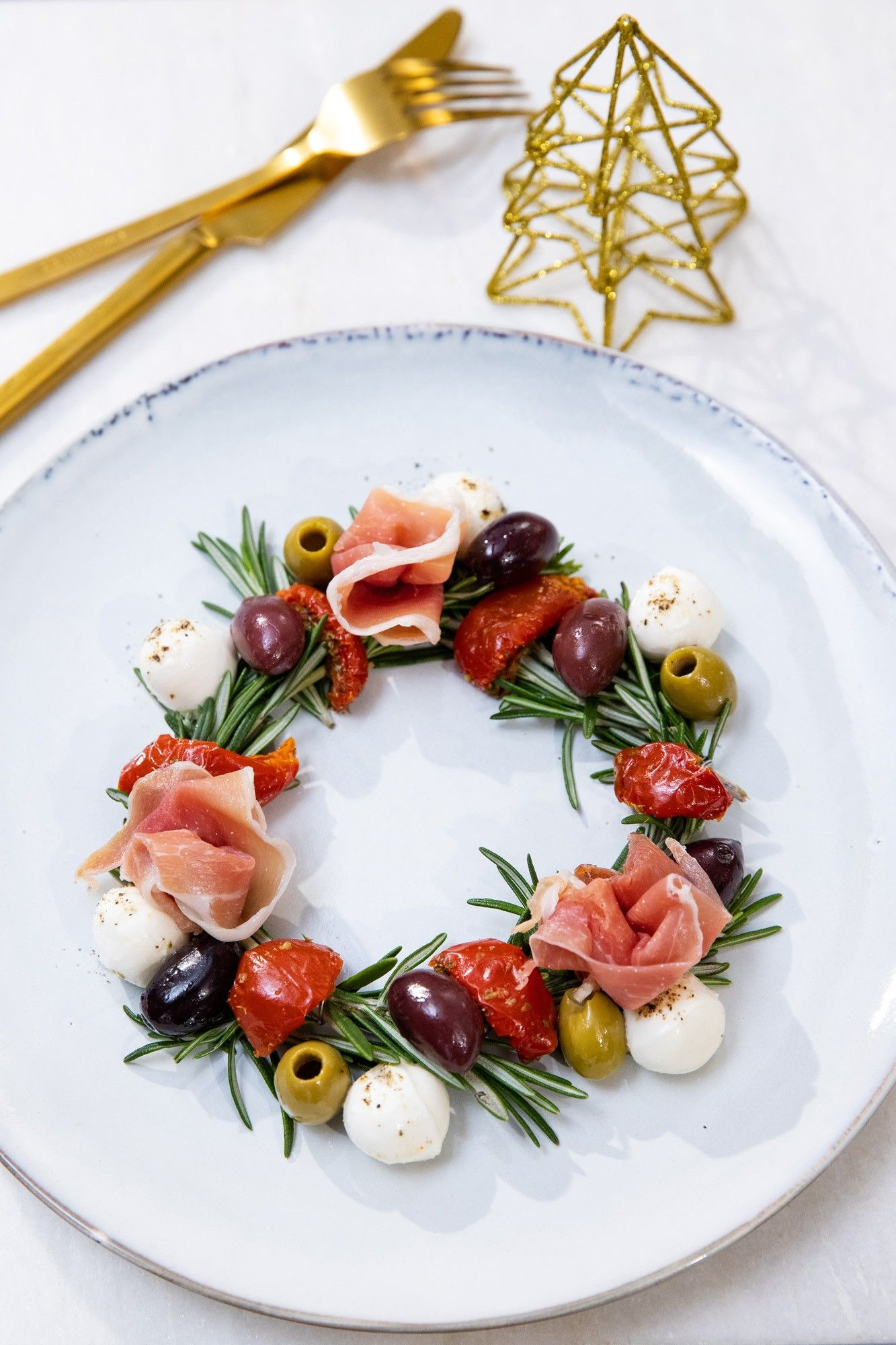 Photo of Christmas in July – individual antipasti dish! I love that idea. #xmasinjuly #a …