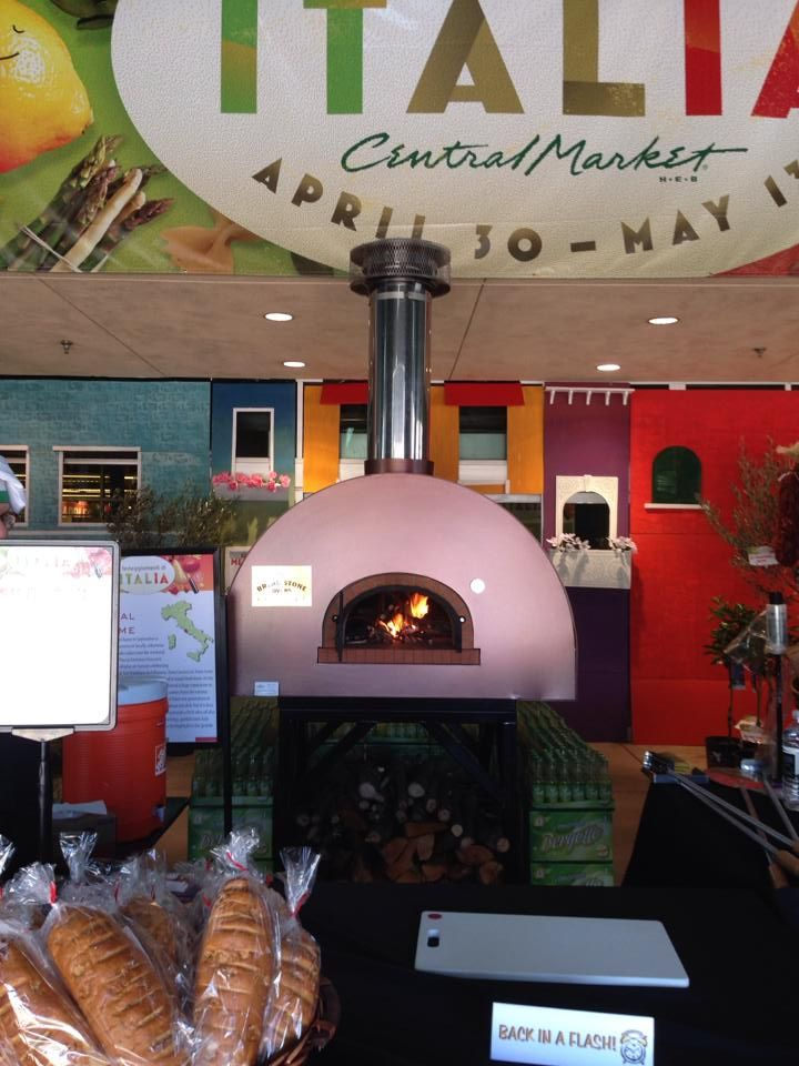 Fits nicely in any establishment!  #centralmarket, #gablehouse, #brickovens, #breadoven, #woodfired, #outdooroven