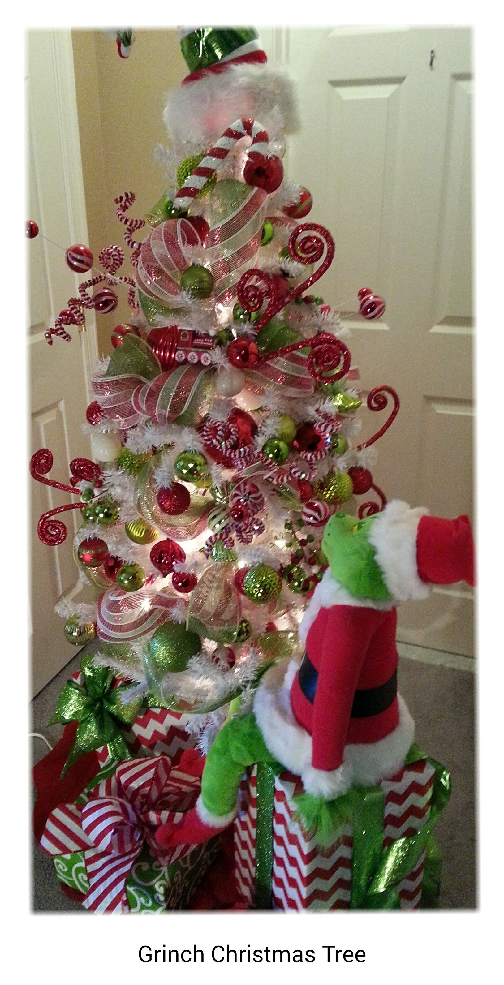 Grinch Has His Eye On Christmas Grinch Christmas Treechristmas Decorationsdiy