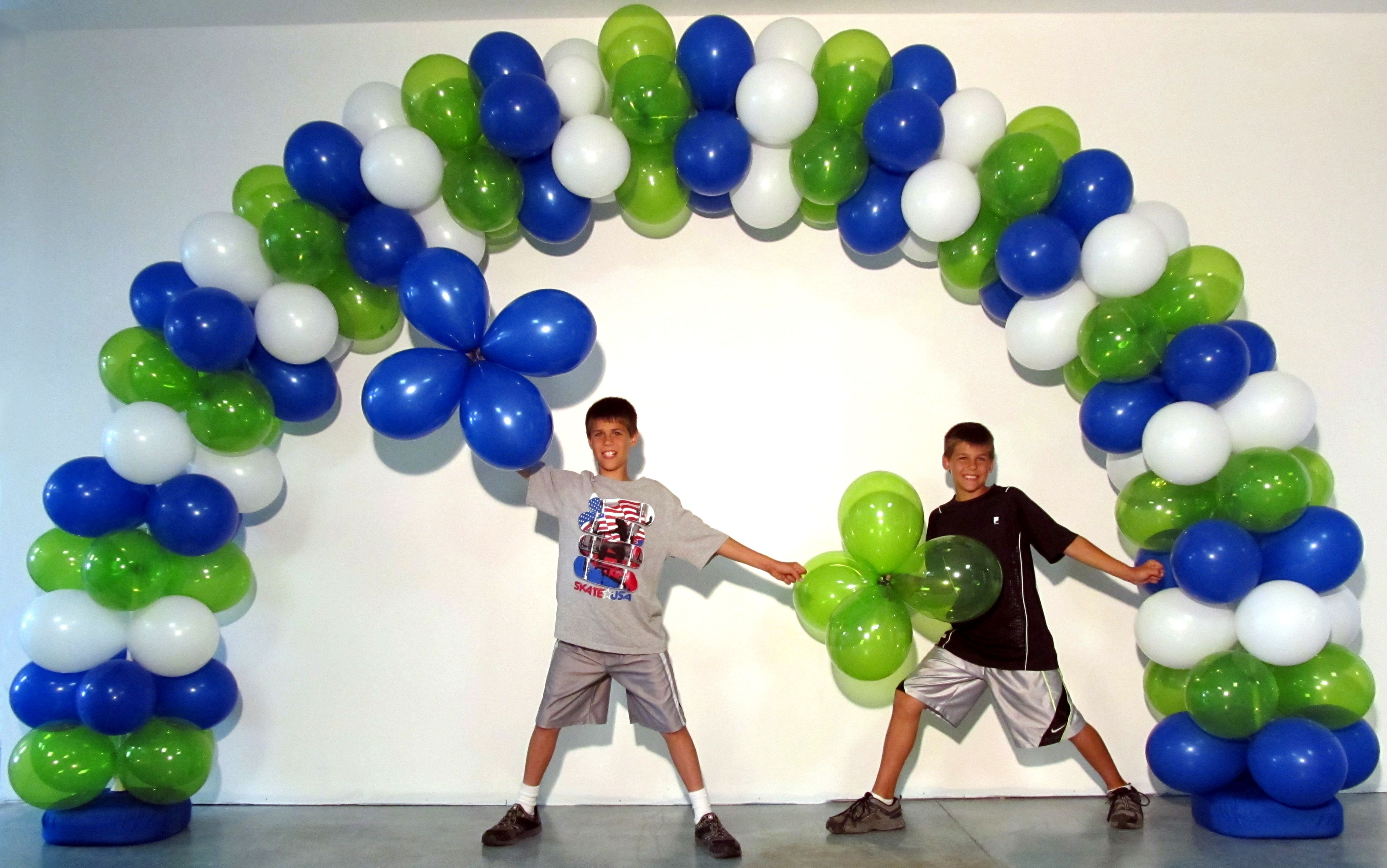 Welcome Back to School Balloon Arch! DIY   Balloon Arch & Columns ...