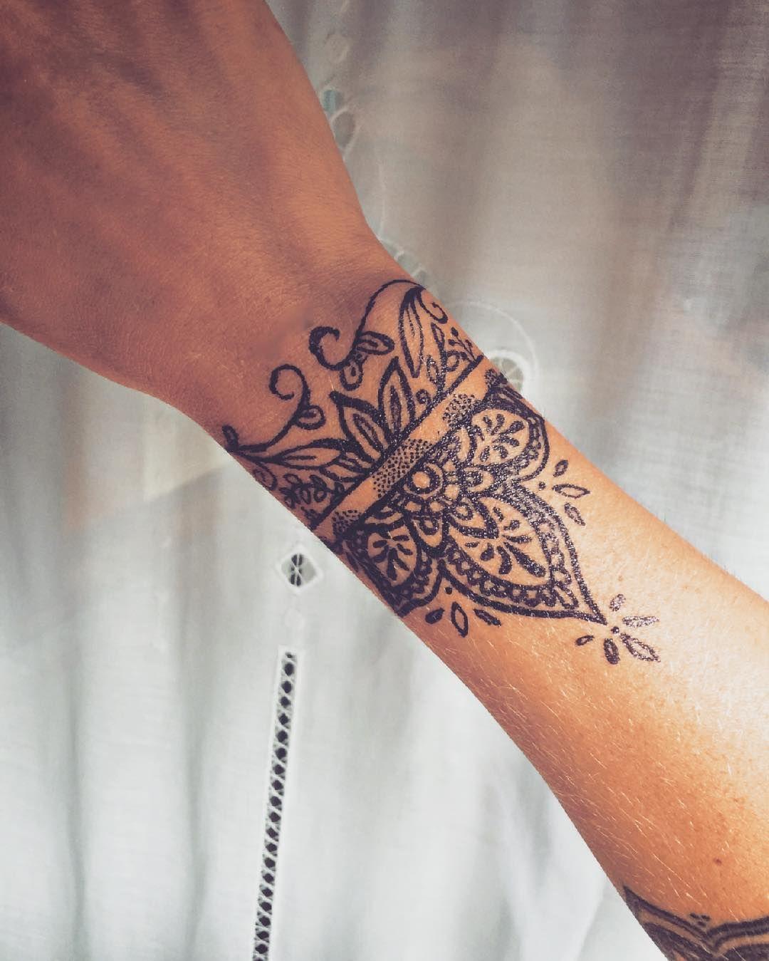 Wrist And Bracelet Tattoos For Women Men Page 11 Of 37 Tattofit Com Best Tattoo Blog Cuff Tattoo Forearm Tattoo Women Wrist Tattoos For Guys