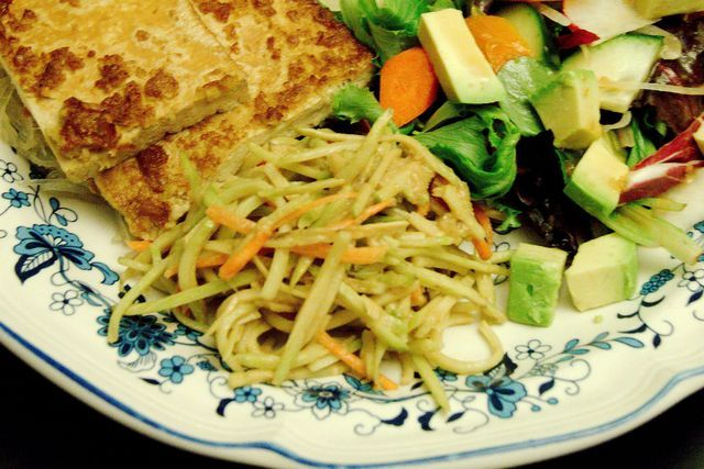 i eat food » Asian Broccoli Slaw, Marinated Tofu, and Salad Dressing….and bats!