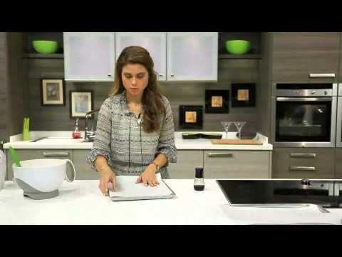 حلو وحادق سالى فؤاد سويس رول صوص الشيكولاتة Cbcsofra Youtube Dessert Recipes Recipes Cooking