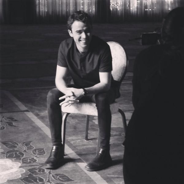 Jamie Blackley (bts of a photoshoot for the LA Times)