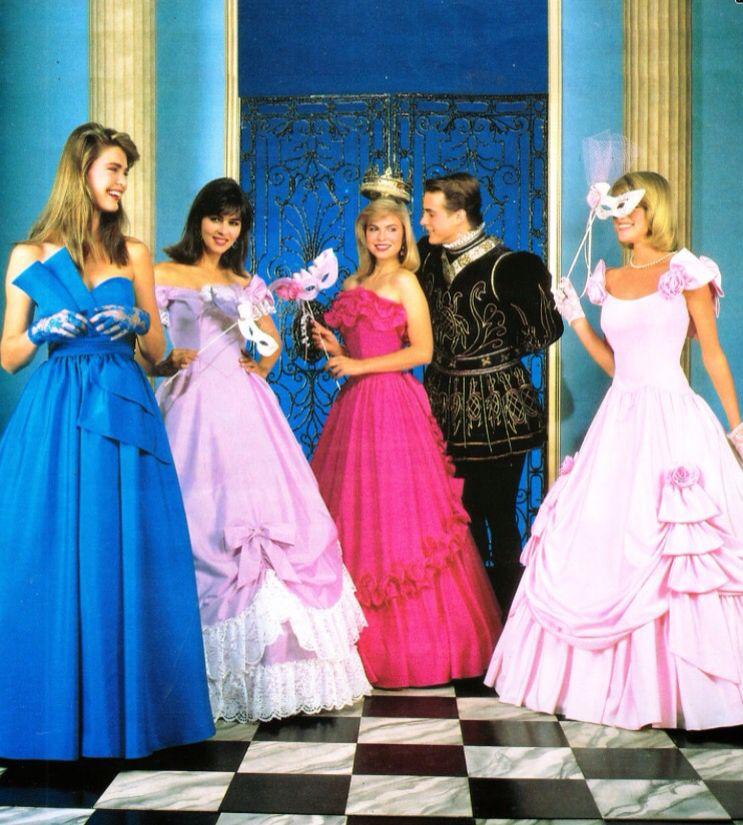 Teen homecoming queen alyce earns her crown alyce anderson - 1 7