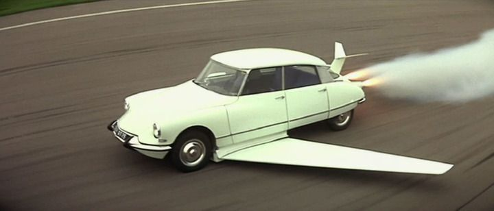 "Flying Citroen DS in the film ""Fantômas"" (1964)."