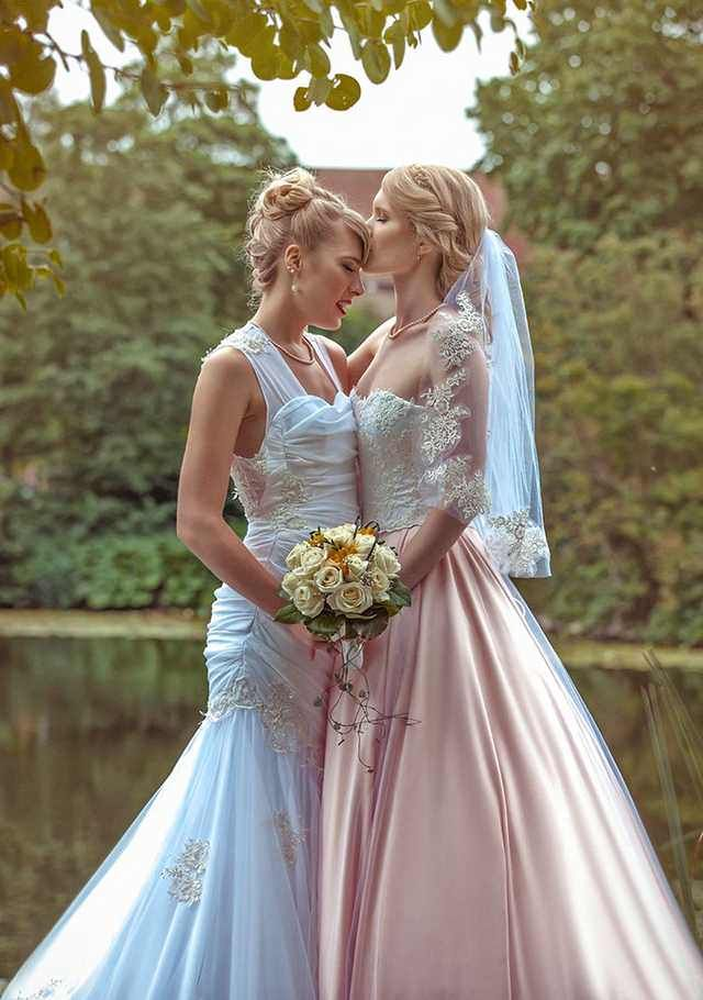 These Two Female Cosplayers Got Married And Their Wedding -7576