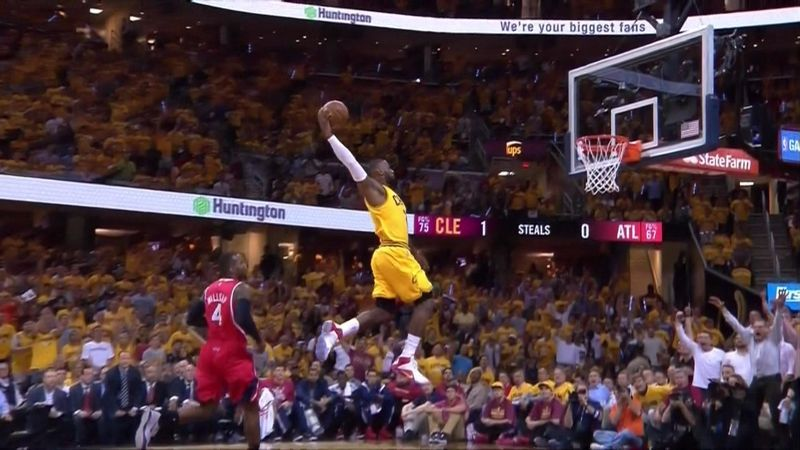 Lebron Starts Game 4 With A Power Dunk Lebron James Dunking Lebron James Lebron James Lakers