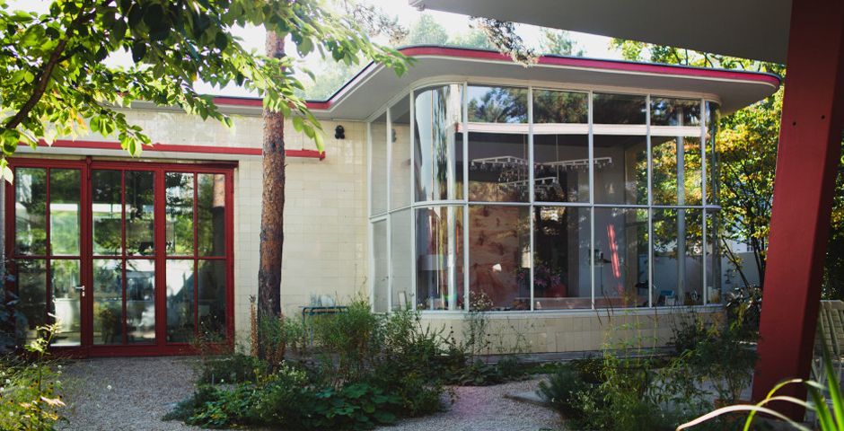 Converting a gas station into a Berlin home (Happy