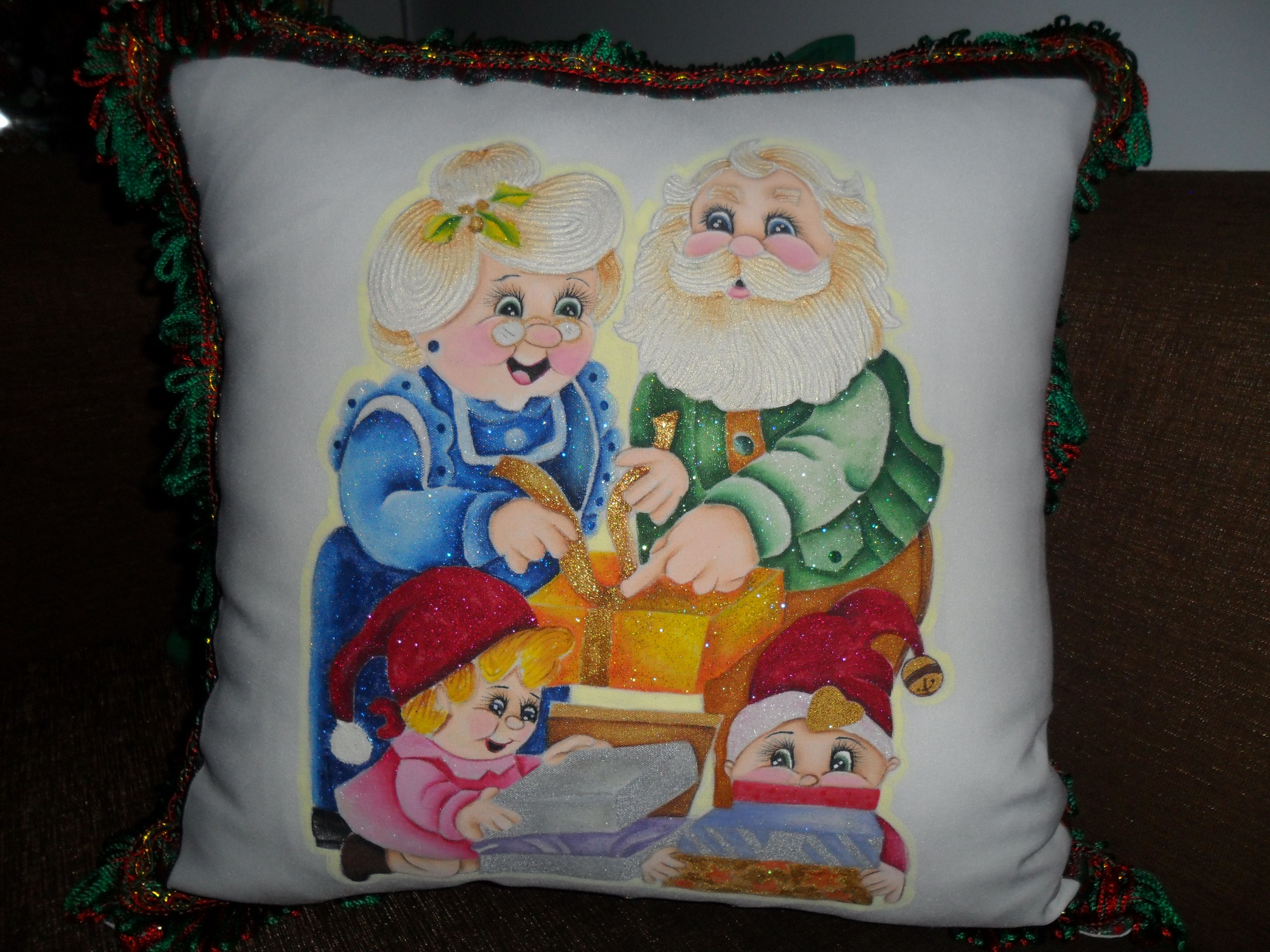 Cojin pintado a mano sobre tela navidad pinterest - Dibujos navidenos para pintar en tela ...