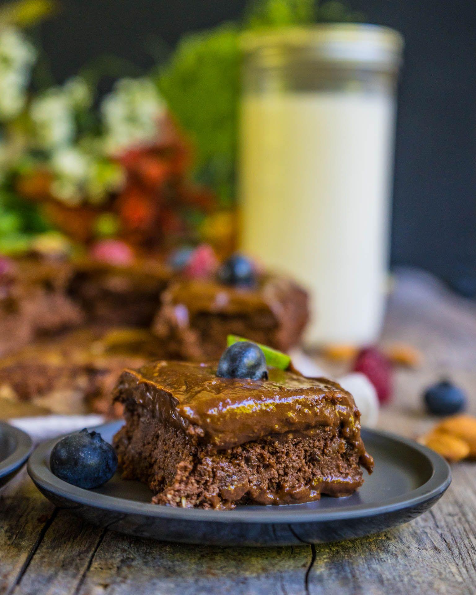 Mandelmilch und gesunde Brownies selber machen  Rezept  Gesunde