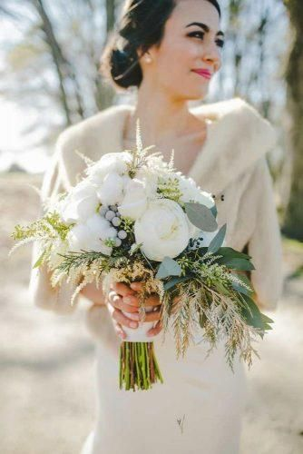 42 Stunning Winter Wedding Bouquets