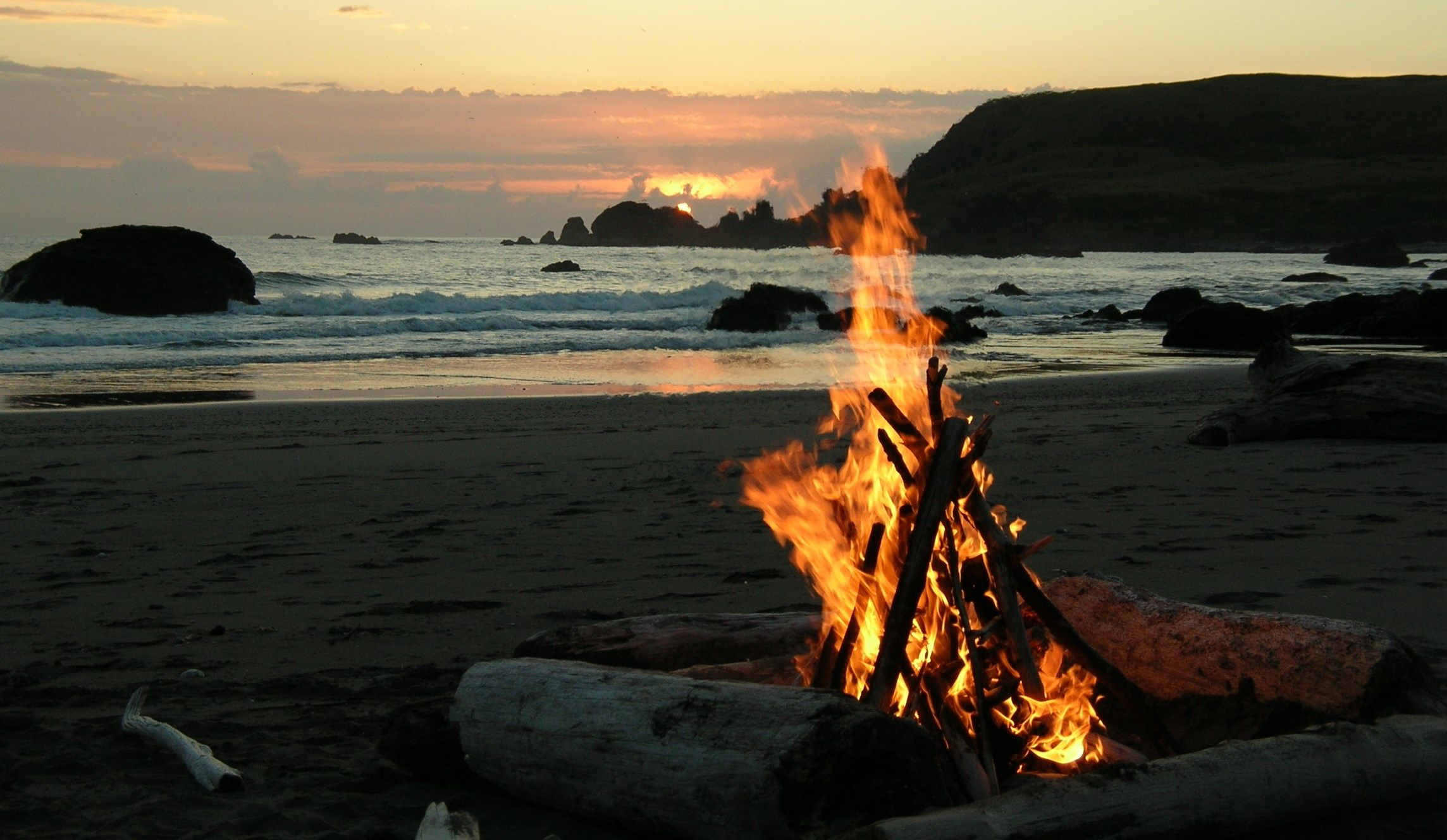 Best Beaches To Build Campfires Oregon