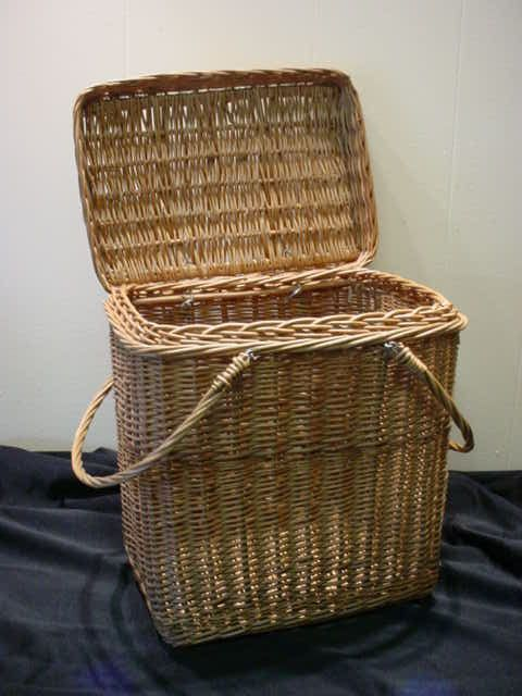 how to pack a good picnic basket