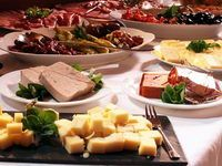 Buffets id es recettes et conseils pour r aliser de for Idee repas entre amis