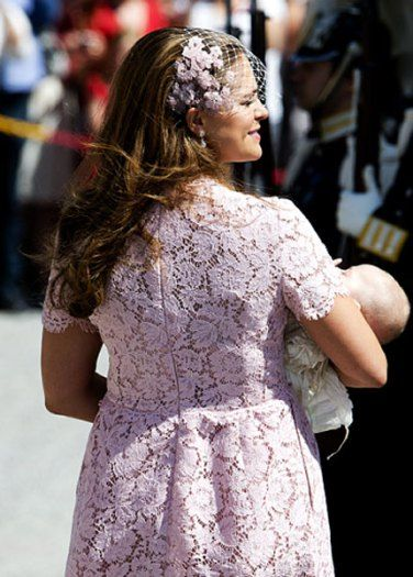 Princess Madeleine, back of her pink lace Valentino dress on June 8, 2014