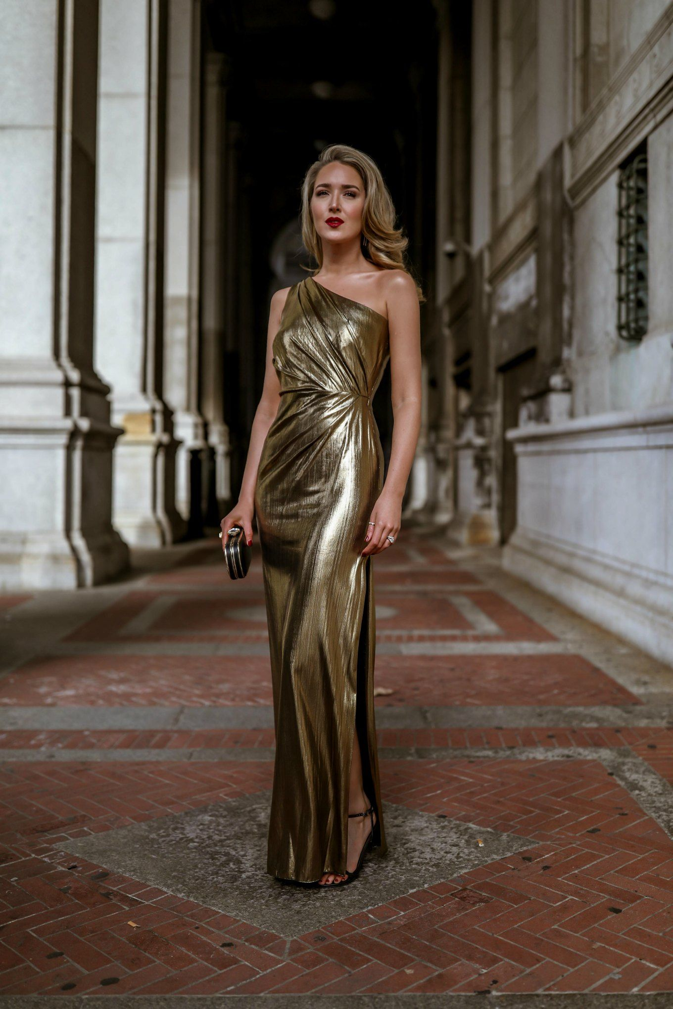 Nyc Style Blogger Mary Orton In Gold Lame Marchesa Notte