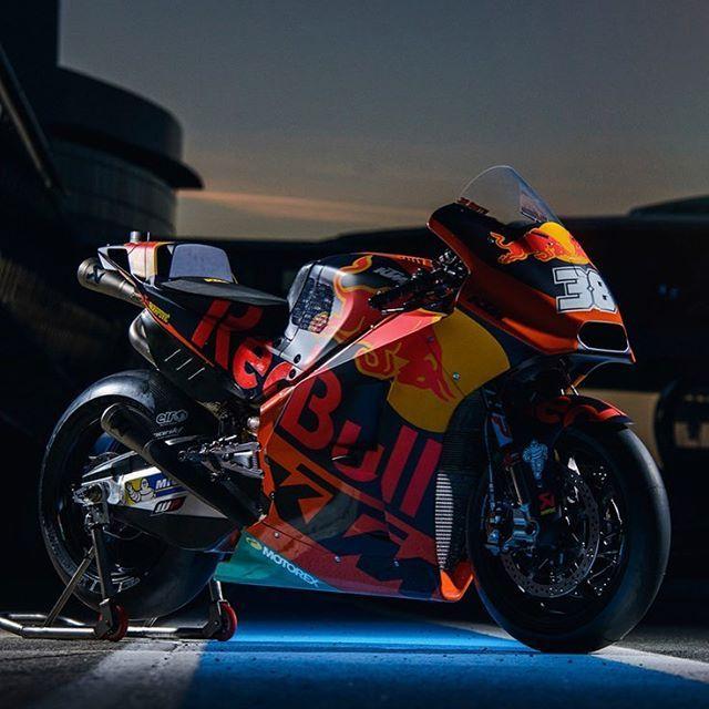 161 mil Me gusta, 20 comentarios - KTM Factory Racing - plexiglas für küchenrückwand