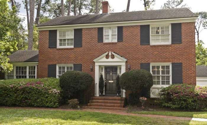 2 story brick colonial redo for the home in 2019 - How to paint a 2 story house exterior ...