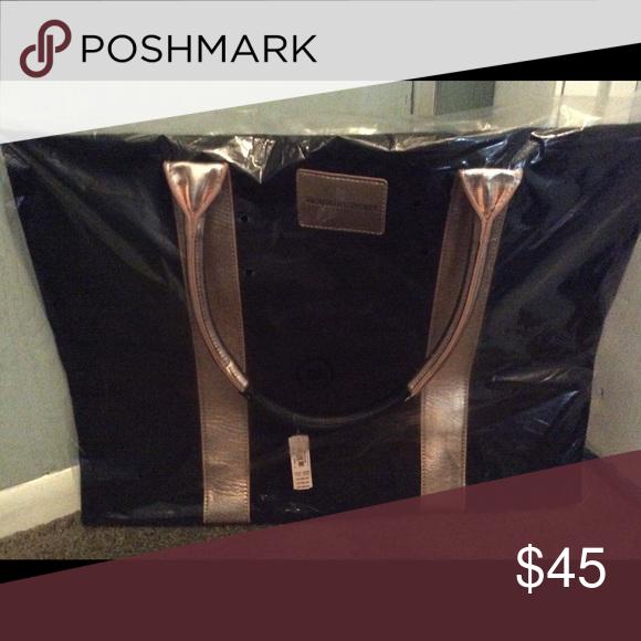 Victoria secret bag Victoria secret bag/black & rose color, brand new Bags Travel Bags