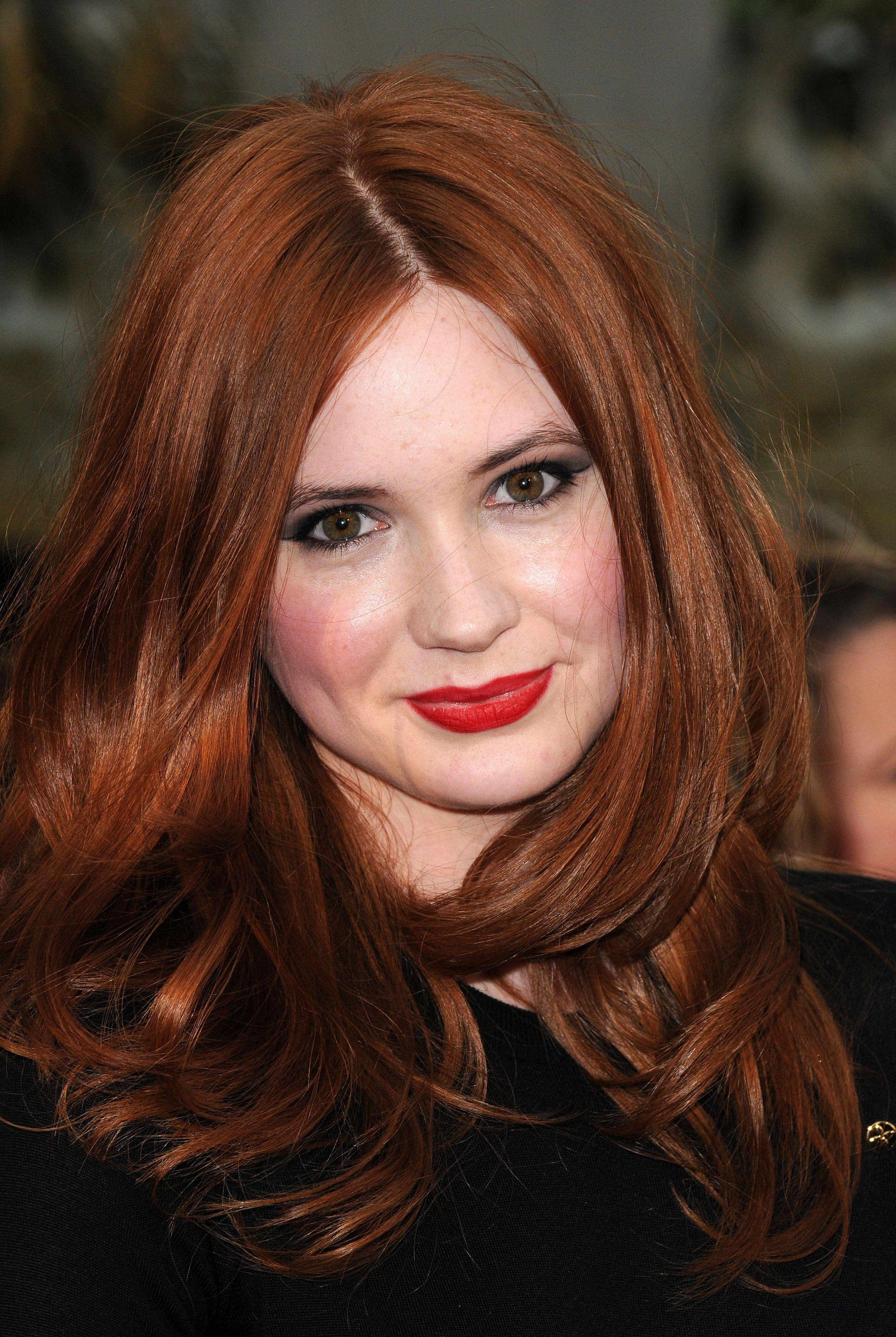 british-redhead-actress-girls-doing-sexy-things