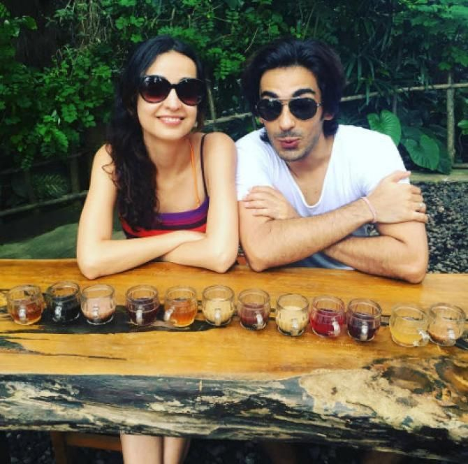 How Bollywood And Tv Celebs Wished Their Partners On Valentines Day Mohit Sehgal Sanaya Irani Celebs